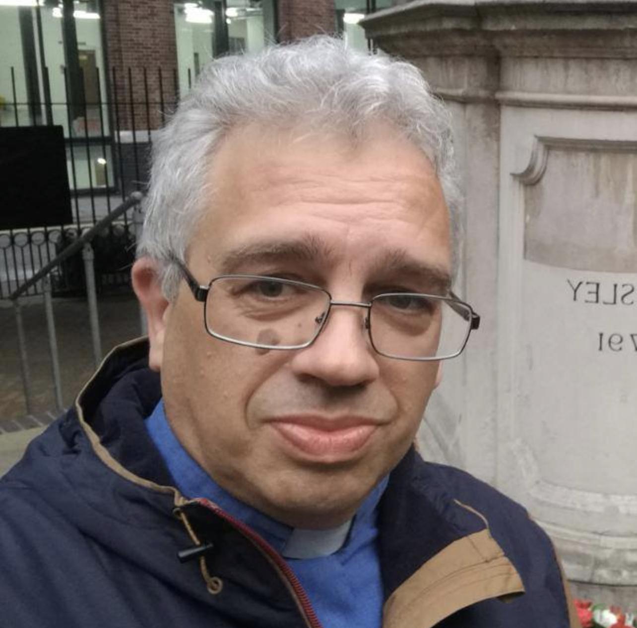 Rev Paul Weary